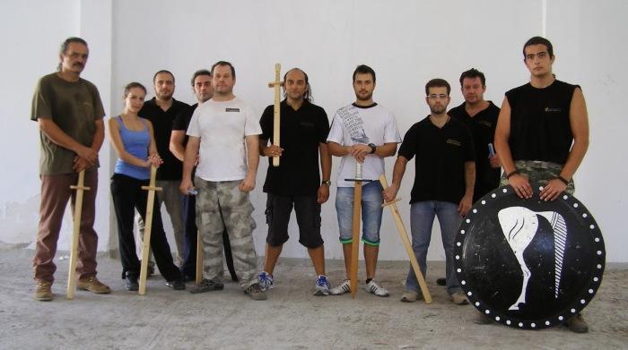 Στις φωτ. απο εκπαίδευση Βυζαντινής οπλομαχίας στο Σύλλογο Ιστορικών Μελετών 'Κορύβαντες'