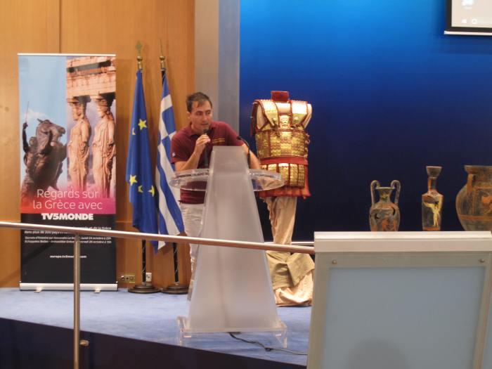 Ομιλεί στο κοινό ο κ. Γεώργιος Γκάτσος ως αντιπρόσωπος των Κορυβαντών και των Λεόντων.